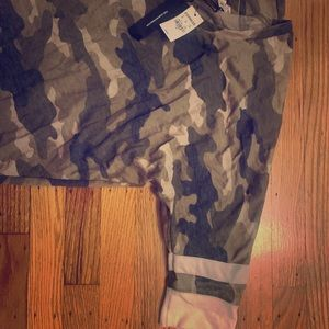 Express one eleven army 3/4 shirt